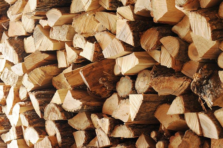 Bûches de bois conservées dans conditions idéale local Aqua Feu Niort